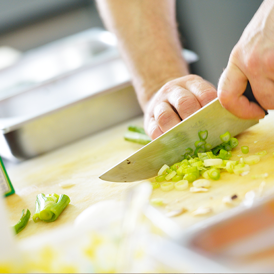 chopping-green-onion